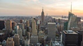 Empire State Building de la visión en el horizonte Nueva York de Manhattan almacen de metraje de vídeo