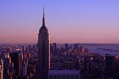 Empire State Building an der Dämmerung Lizenzfreie Stockbilder