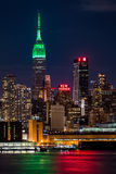 Empire State Building na świętego Patricks dniu fotografia stock