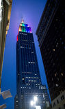 Empire State Building que se divierte al gay Pride Colors Foto de archivo