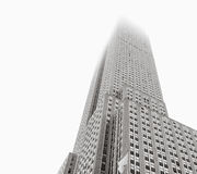 Empire State Building stoi w mgle Zdjęcia Royalty Free