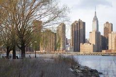 Empire State Building vu de la ville du Long Island Photos libres de droits