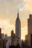 Empire State en la puesta del sol - New York City Fotos de archivo libres de regalías