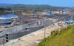 Emplazamiento de la nueva obra de la extensión del Canal de Panamá Fotos de archivo