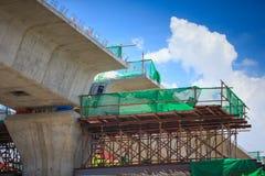 Emplazamiento de la obra de la extensión de Línea Verde ferroviaria del tren de cielo del BTS foto de archivo libre de regalías