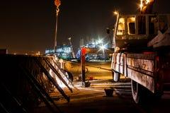 Emplazamiento de la obra expreso de la manera en la noche Imagen de archivo