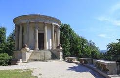 Emple Sibylin romantyczny ogród w PuÅ 'awy, Polska, budujący w opóźnionym xviii wiek jako muzeum Izabela Czartoryska fotografia royalty free