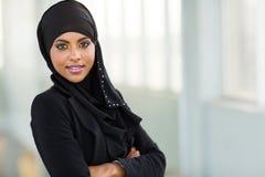 Employé de bureau arabe moderne images libres de droits