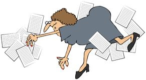 Employé de bureau féminin tombant et renversant des papiers illustration stock