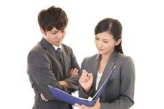 Employés de bureau asiatiques Images libres de droits