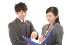 Employés de bureau asiatiques Photo libre de droits