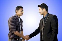 Employés indiens travaillant ensemble photos libres de droits