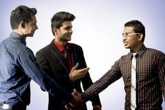 Employés indiens travaillant ensemble Photos stock