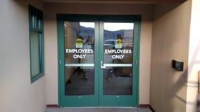 Employés seulement Photo libre de droits