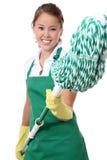 Empregada doméstica bonito com espanador Fotografia de Stock