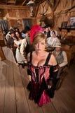 Empregada doméstica da barra no bar aglomerado Imagens de Stock Royalty Free