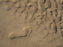 Empreinte de pas sur la plage de Lagos photos libres de droits