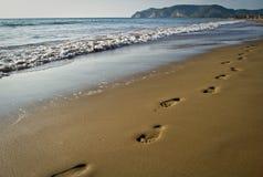 Empreintes de pas sur la plage Images stock