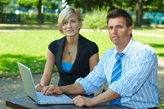 Empresários ao ar livre Fotografia de Stock Royalty Free