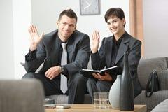 Empresários que cumprimentam o sócio Imagens de Stock Royalty Free