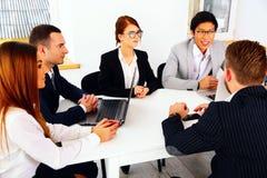 Empresários que têm a reunião Fotos de Stock Royalty Free