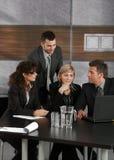 Empresários que trabalham junto Imagens de Stock