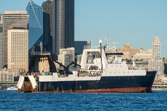 Empresa do Kodiak de F/V na frente da margem de Seattle imagens de stock royalty free