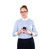 Empresaria con el teléfono móvil a disposición Fotos de archivo libres de regalías