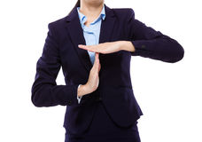 Empresaria con gesto de mano de la pausa foto de archivo libre de regalías