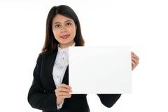 Empresaria con la muestra en blanco Foto de archivo libre de regalías