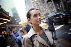Empresaria en calles de la ciudad en Nueva York Fotografía de archivo