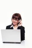 Empresaria en el teléfono móvil Fotos de archivo libres de regalías