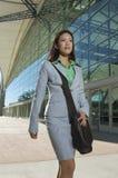 Empresaria hermosa With Shoulder Bag Imagenes de archivo