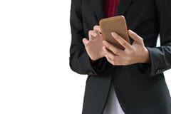 Empresaria que trabaja con el smartphone aislado en el fondo blanco Imagen de archivo libre de regalías