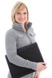 Empresaria sonriente con el folio de cuero negro fotografía de archivo libre de regalías