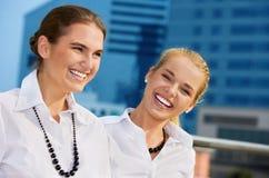 Empresarias felices Foto de archivo libre de regalías