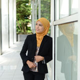 Empresarias musulmanes jovenes hermosas Imagen de archivo