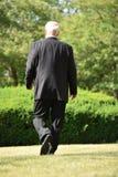Empresario fallado Walking del hombre de negocios fotografía de archivo