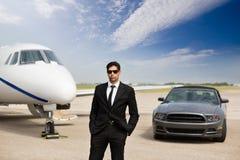 Empresario Standing In Front Of Car And Private fotos de archivo libres de regalías