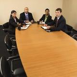 Empresarios en la reunión. Fotos de archivo