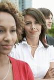 Empresarios multiétnicos al aire libre foto de archivo libre de regalías