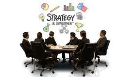 Empresarios que miran la pantalla futurista que muestra símbolo de la estrategia y del desarrollo libre illustration