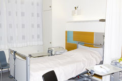 Empty bed in hospital Stock Images