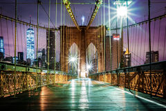 Empty Brooklyn Bridge pedestrian walkway before sunrise Stock Photography