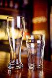 The empty glasses in the pub Royalty Free Stock Photography