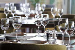 Empty glasses in restaurant Royalty Free Stock Photos