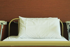 Empty hospital bed Royalty Free Stock Photos