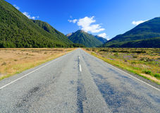 Empty mountain highway Royalty Free Stock Photo