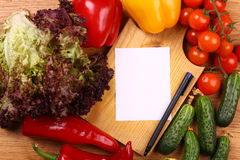Empty note and vegetables Royalty Free Stock Images