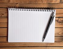 Empty notepad and pen Royalty Free Stock Photo